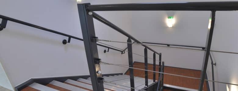 Batiment bureaux escalier