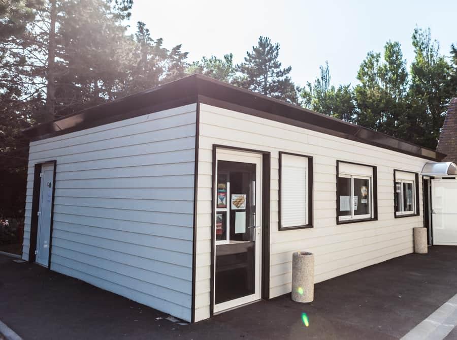 batiment prefabrique camping2 location et vente le leader du b timent industriel d montable. Black Bedroom Furniture Sets. Home Design Ideas