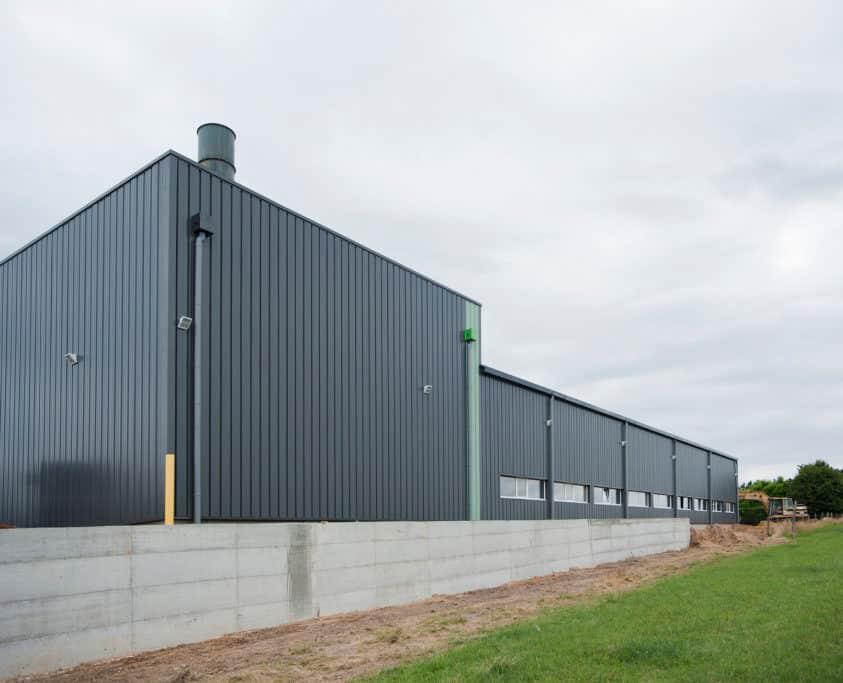 Bâtiment production, 1800m², location 36 mois