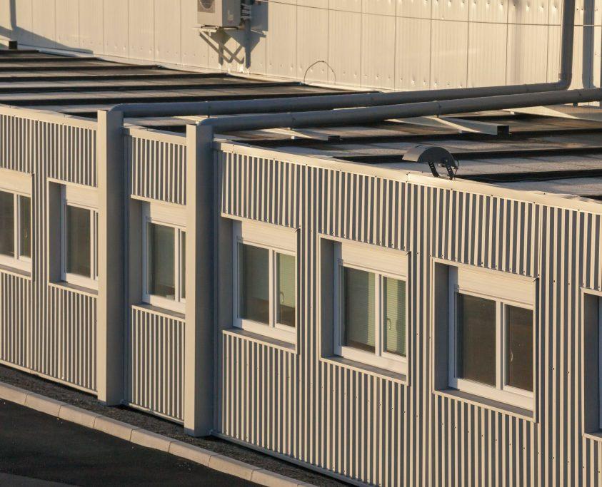 Constructions modulaires préfabriquées, 330m², location 36 mois