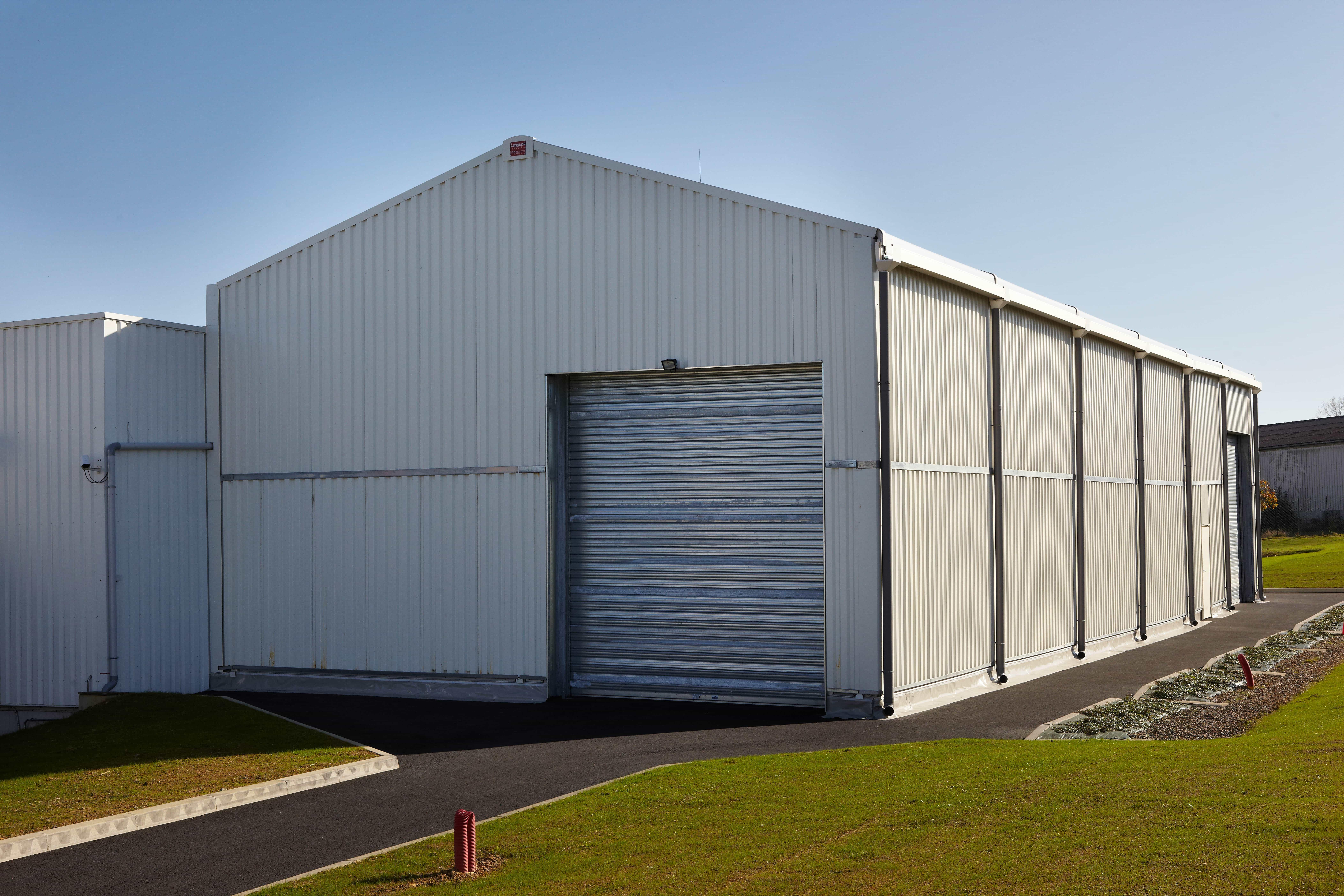 Structure provisoire, 300m², location 18 mois