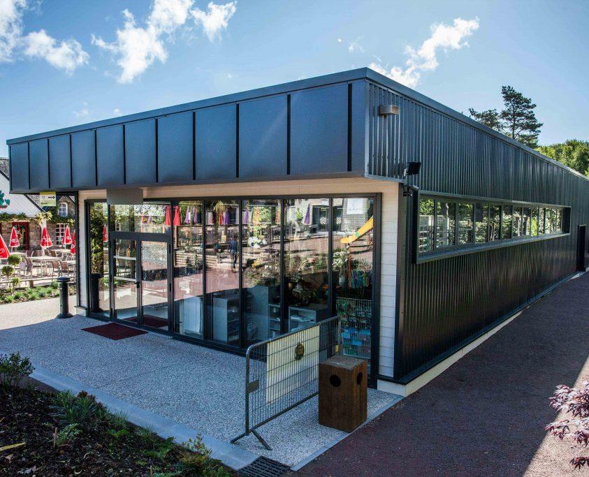 Accueil et boutique, 350m², achat